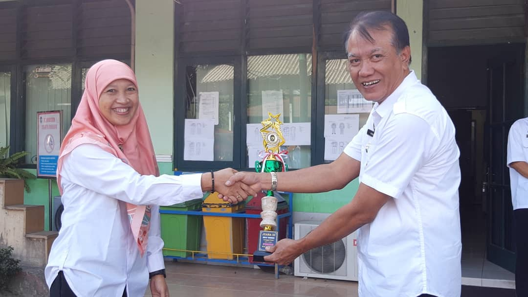 Juara III Lomba Bulutangkis Tunggal Putri PORKAR 2018
